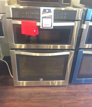 New open box whirlpool double oven stainless steel- WOC54EC0AS04 for Sale in Redondo Beach, CA