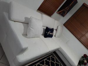 NUEVO SOFA BLANCO EN L.ENTREGA GRATIS POR LA COMPRA DEL SOFÁ for Sale in HALNDLE BCH, FL