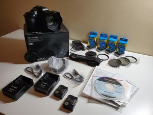 Panasonic lumix fz1000 open box , technically new , complete bundle for Sale in Torrance, CA