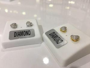 Screw back earring hearts Diamond for Sale in Detroit, MI