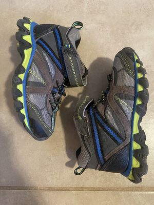 Toddler hiking/outdoor shoes for Sale in Fort McDowell, AZ