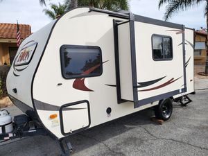 2016 Econ DLX travel trailer 14'ft for Sale in Hemet, CA
