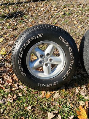 Wheel jeep Wrangler for Sale in Penns Grove, NJ