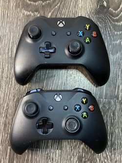Wireless Xbox Controllers. for Sale in Aurora,  CO