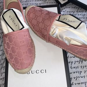 Like New! 150 Size 8 Gucci Women's Shoes for Sale in Joliet, IL