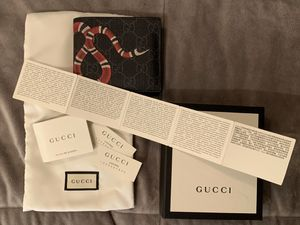 Gucci Snake Wallet for Sale in Brooklyn, NY