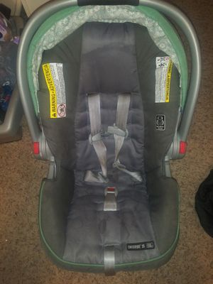 Graco Car Seat with BASE for Sale in Roanoke, TX