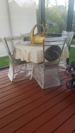 Beautiful Dinner Table/Breakfast Table for Sale in Dublin, OH