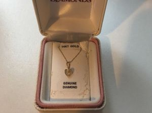 Helzberg diamonds baby/kids necklace for Sale in New Britain, CT