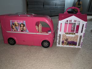 Barbie camper, Barbie glam getaway, dreamtopia, rainbow castle plus monster high castle for Sale in Lynnwood, WA
