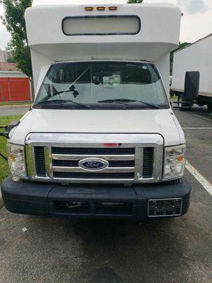 2009 Ford E450 Diesel Super Duty 20 Passenger Mobility Shuttle Bus for Sale in Chillum, MD