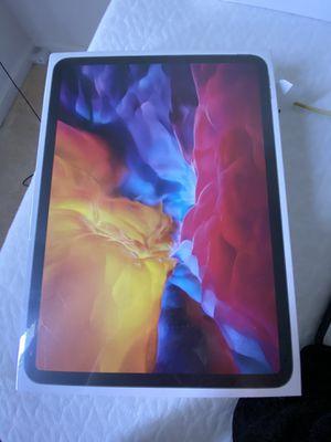 iPad 11 inch 2020 model for Sale in Glenn Dale, MD