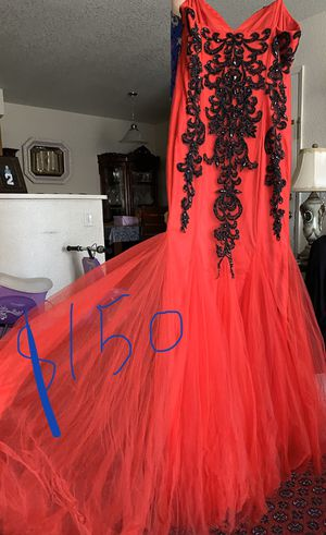 Beautiful Indian dresses for sale with nice prom dresses for Sale in Elk Grove, CA