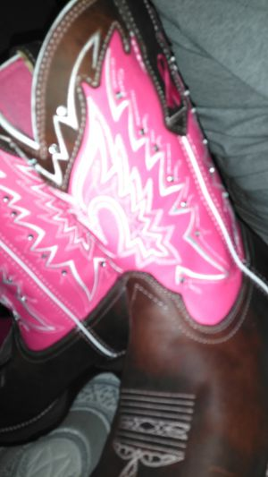 """Lady Rebel by DURANGO 10"""" Westn pink. Limited Breast Cancer Awareness for Sale in Dallas, TX"""