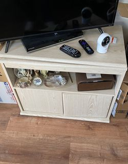 Tv stand. for Sale in East Rockaway,  NY
