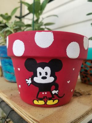 Mickey & Pluto Flower Pot for Sale in Longwood, FL
