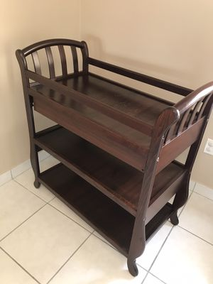 Baby changing table solid wood! Like New! for Sale in Miami, FL