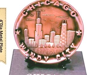 """New In Box! Chicago Souvenir Metal Plate.Size 4"""" for Sale in Norridge,  IL"""