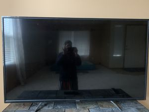 "55"" inches 4k TV with cromecast for Sale in Snoqualmie, WA"