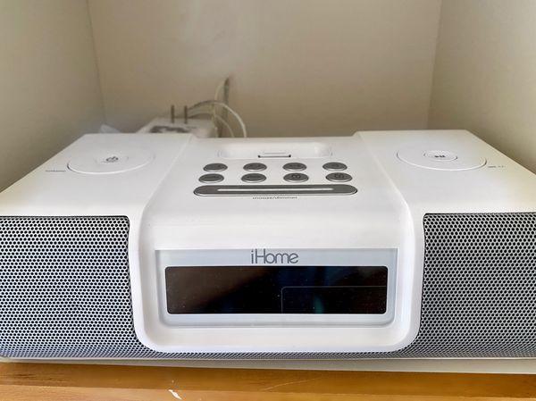 iHome Dual-Alarm Clock & Radio; Bonus- Charges iPhone 4, 5, 5s & 6, iPad (iDL45BC) and all iPod products- White