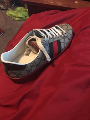 Gucci shoes size 8 1/2 for Sale in Manassas, VA