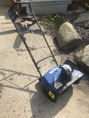 Like new electric snow thrower for Sale in Marengo, OH