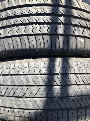 Two used tire 225/65R17 one YOKOHAMA end one SUMITOMO two used tire $45 2 llantas usadas 225/65R18 una YOKOHAMA y una SUMITOMO por las 2 llantas $45 for Sale in Alexandria, VA