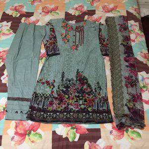 "Pakistani Indian Shalwar Kameez Dress embroidered designer lawn digital print clothes bust size 40"" for Sale in Silver Spring, MD"