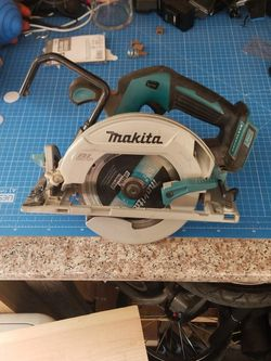 Makita 6 1/2 Inch Brushless LXT Circular Saw Right Side Motor for Sale in Elk Grove,  CA