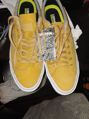 Converse One stars suede sz 11 for Sale in Alexandria, VA