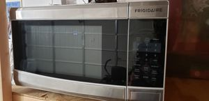 FRIGIDAIRE, Microwave for Sale in Portsmouth, VA