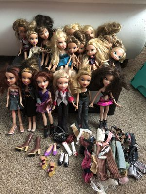 Bratz dolls and Accessories for Sale in Portland, OR
