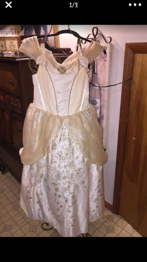 "Little girls Princess dress from Disney store Euc beautifulHalloween "" costume"" szxl 10/12. for Sale in Northfield, OH"