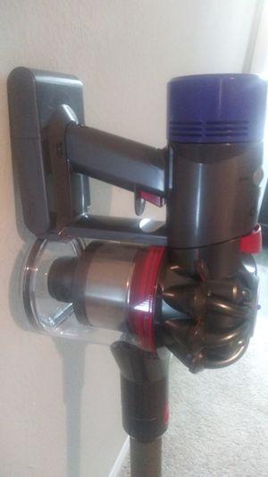 Dyson V8 Animal Vacuum cordless for Sale in Marietta, GA