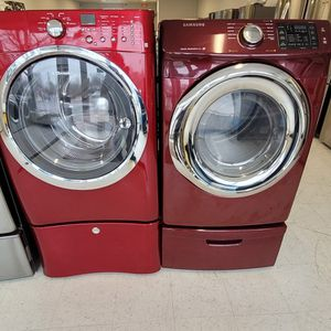 Electrolux Front Load Washer And Electric Dryer Mix Set With Pedestal Used In Good Condition With 90day's Warranty for Sale in Hyattsville, MD