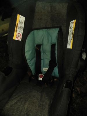 TODAY ONLY SALE Girl or boy carseat $10 for Sale in Salisbury, NC