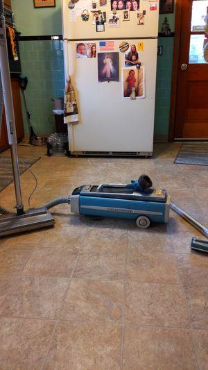 Electrolux vacuum for Sale in Blackstone, MA