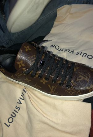 Louis Vuitton FRONTROW SNEAKER for Sale in Fort Worth, TX