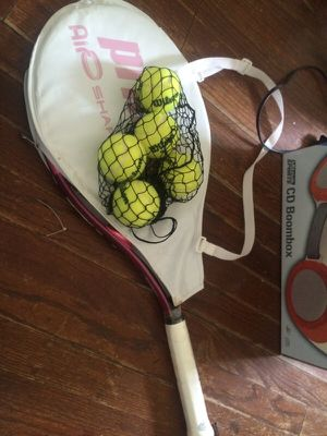 tennis racket and balls for Sale in Chicago, IL