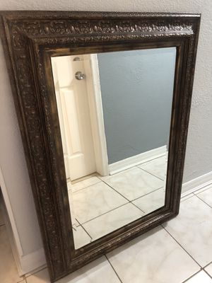 Wall Mirror for Sale in Pembroke Pines, FL