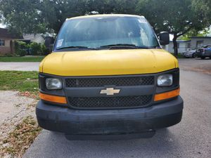 Mint condition 2016 Chevy Express cold air new tires drives like new absolutely amazing driving clean clean clean for Sale in Miramar, FL