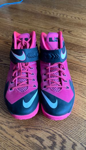 Nike Mens Lebron Soldier VIII 8 Shoes Breast Cancer, Pink. Size 10.5 for Sale in Mundelein, IL