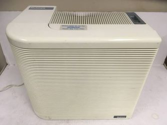 Holmes HEPA HAP-292 Air Cleaner with Ionizer for Sale in Dallas,  TX
