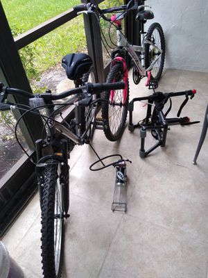 2 bikes, pump and rack, sold separately or together for Sale in Coral Springs, FL