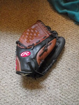Rawlings baseball glove for Sale in Phoenixville, PA