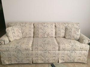 Sofa Sleeper Queen Size for Sale in Sunrise Beach, MO