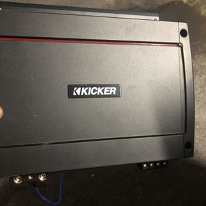 L7 With Kicker Amp for Sale in Fresno, CA