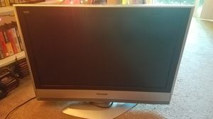 32 inch panasonic flat screen tv with remote for Sale in Bellevue, WA