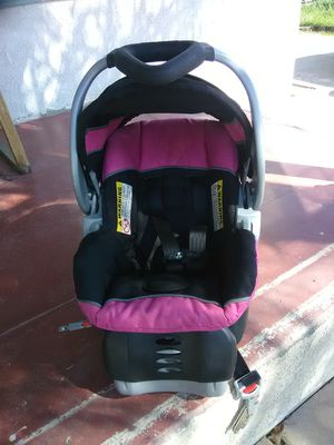 Car seat for infant. for Sale in Highland, CA