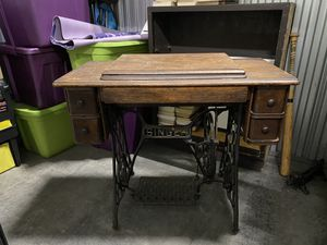 Antique Singer sewing table with machine for Sale in Dracut, MA